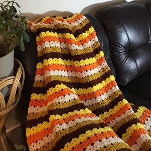 70s vintage afghan excellent condition twin size